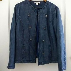 ⬇️Cold Water Creek Button Soft Jean like Jacket